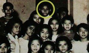 Barack-Obama-at-school-in-008