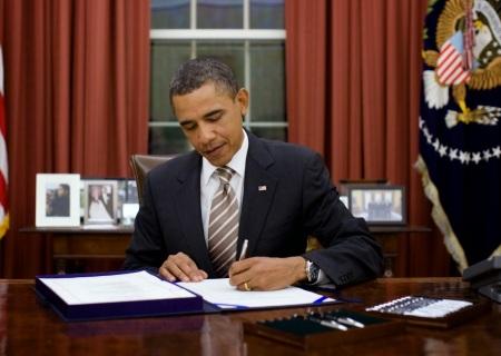 obama-signs-order