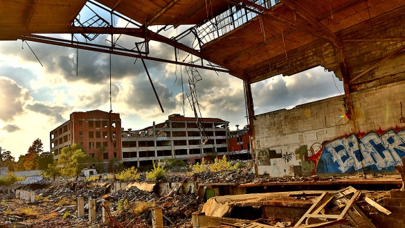The Detroit Packard Automotive Plant opened in 1903 and was closed in 1958. The 3,500,000-square-foot (325,000 m2), plant was designed by Albert Kahn and is located on over 40 acres (0.142 km2) of land on East Grand Boulevard on the city's east side. Picture was taken in October 2013. Photo by: Benjamin Beytekin/picture-alliance/dpa/AP Images