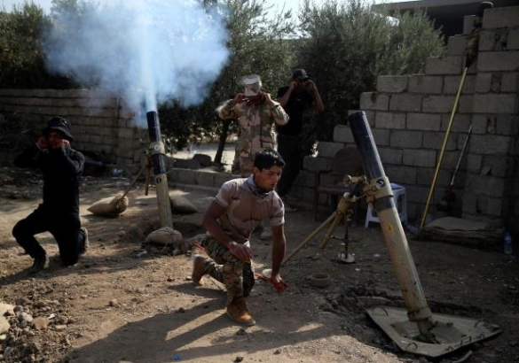 iraqi-army-soldiers-fire-mortars-against-the-islamic-state-militants-at-shahrazad-village-2-miles-ea_990938_
